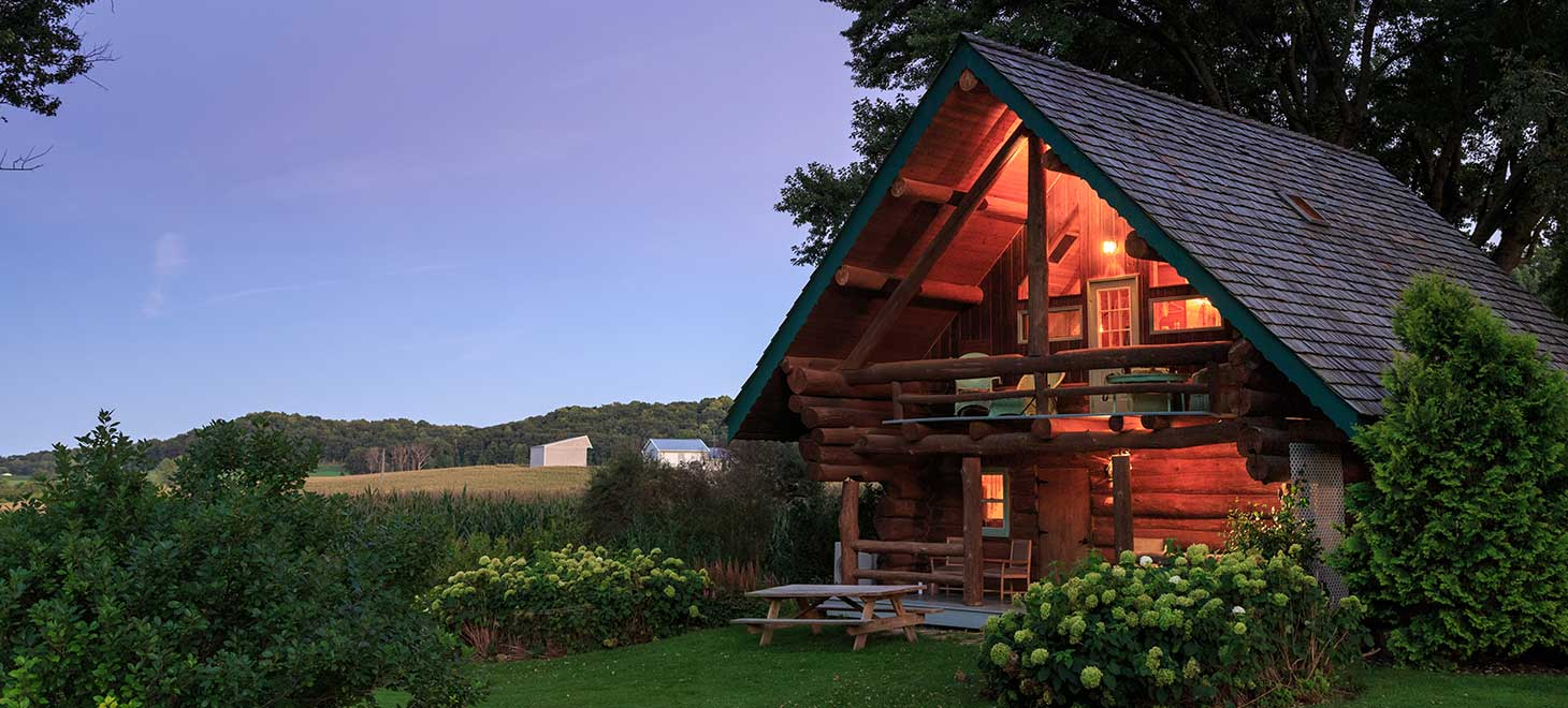 Best Family Resorts in Wisconsin - Log Cabin Sleeps 6