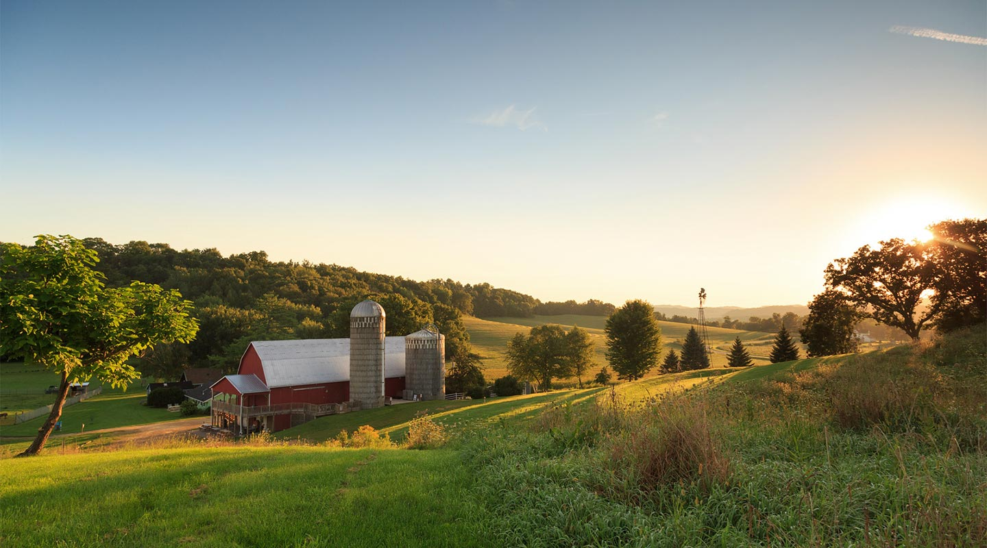 Best Wisconsin Vacations with great sunsets, Elegant Barn surrounded by hills