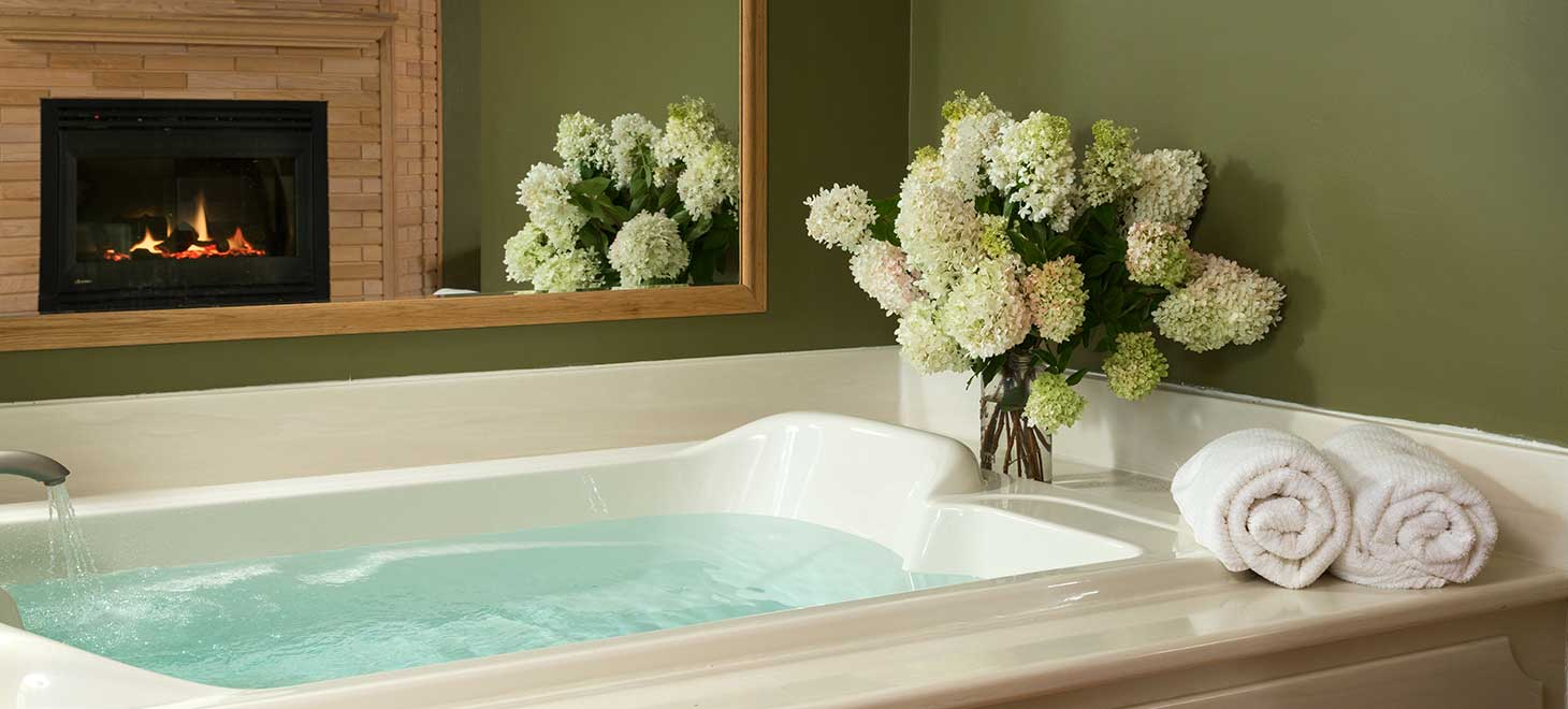 UltraBain whirlpool bathtub in Queen Suite at Justin Trails Resort, Sparta, Wisconsin