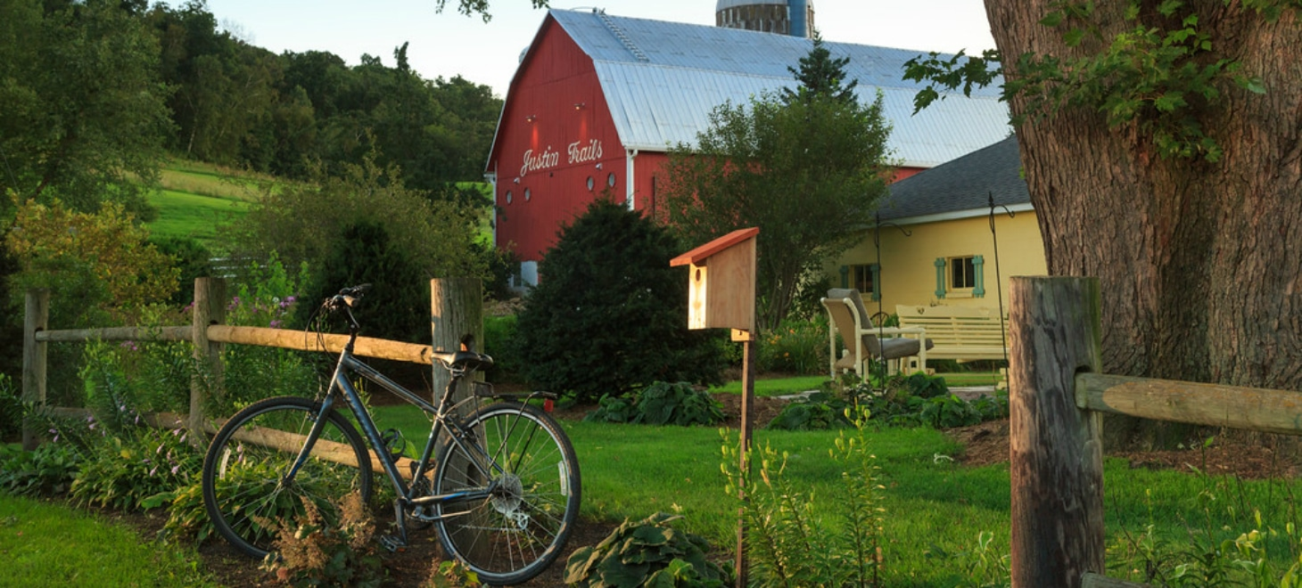 Romantic Log Cabins in Wisconsin perfect for an Elroy-Sparta bicycling getaway, Justin Trails Resort,