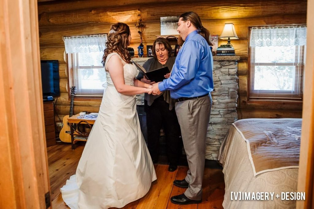 Plan the best Wisconsin elopement at our Wisconsin Bed and Breakfast.