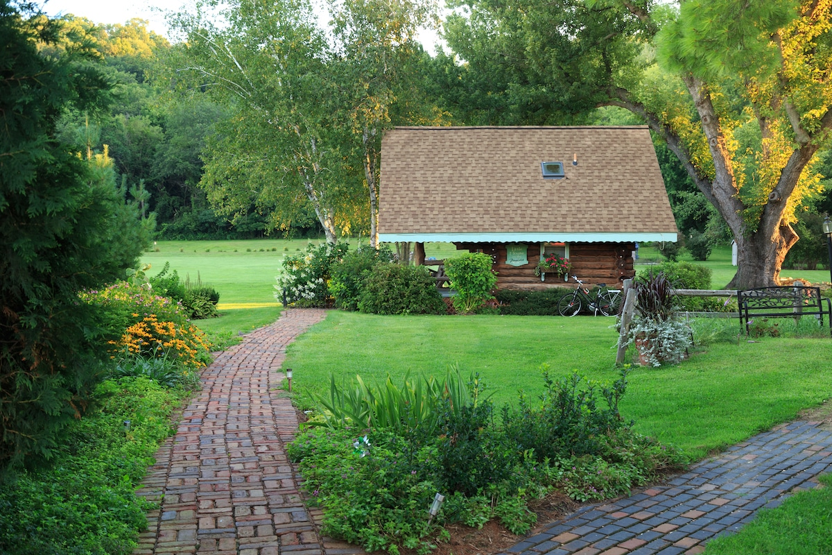 romantic cabins in Wisconsin
